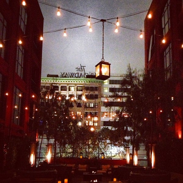10/20/2012 tarihinde Sterling R.ziyaretçi tarafından The Redbury'de çekilen fotoğraf