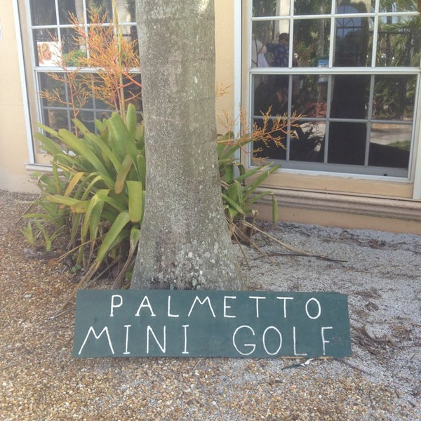 Das Foto wurde bei Palmetto Golf Course von Sophia C. am 7/8/2013 aufgenommen