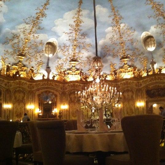 12/24/2012 tarihinde Zoya G.ziyaretçi tarafından Turandot'de çekilen fotoğraf