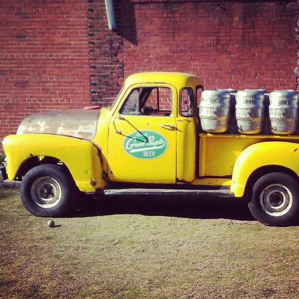 Foto diambil di Good People Brewing Company oleh Alaina C. pada 10/20/2012