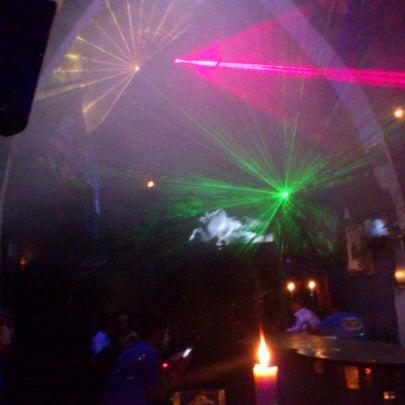 Das Foto wurde bei TOM'S Leather Bar von Sinhue M. am 11/24/2012 aufgenommen