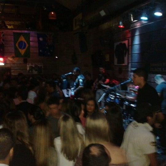 9/22/2012 tarihinde Edilanio M.ziyaretçi tarafından Kia Ora Pub'de çekilen fotoğraf
