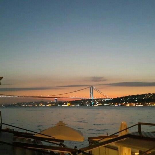Foto tomada en Boon Cafe & Restaurant por Yigit A. el 9/25/2015
