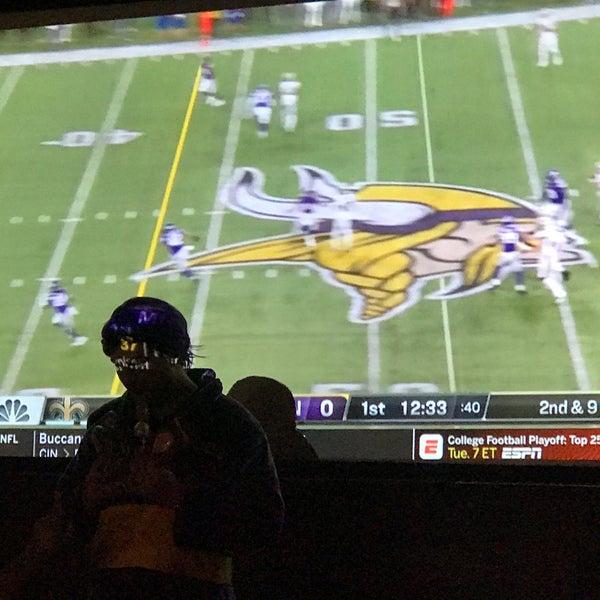 Foto diambil di San Jose Bar & Grill oleh Jose S. pada 10/29/2018