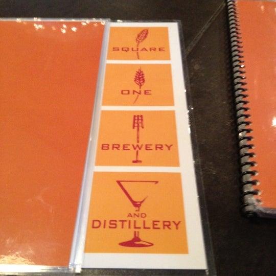 Das Foto wurde bei Square One Brewery & Distillery von Lori C. am 12/1/2012 aufgenommen