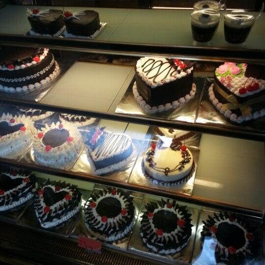 Photos At Valencia Bakery 3 Tips From 31 Visitors
