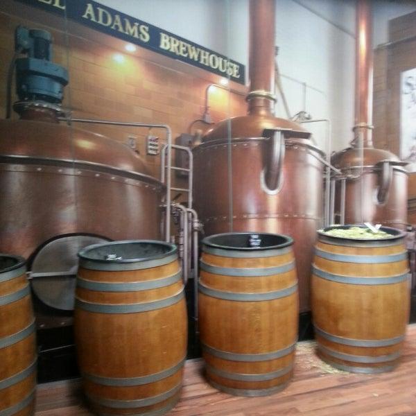 Photo prise au Samuel Adams Brewery par Aaron K. le5/25/2013