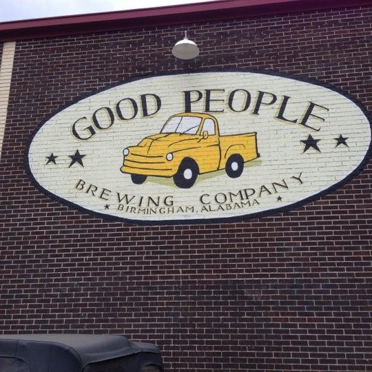 Foto diambil di Good People Brewing Company oleh Louis W. pada 10/10/2012