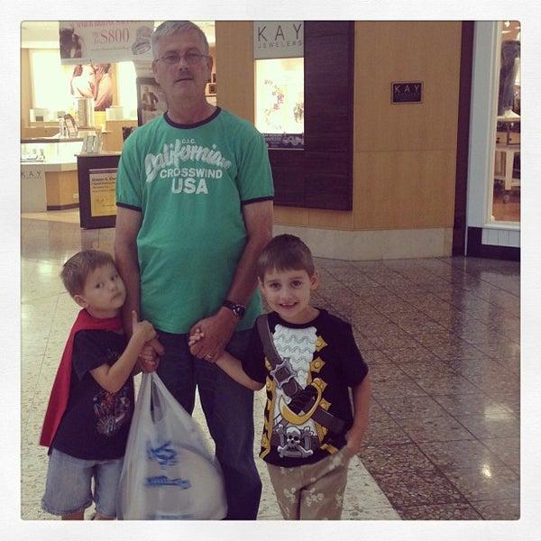 8/3/2013에 Robb H.님이 Governor's Square Mall에서 찍은 사진