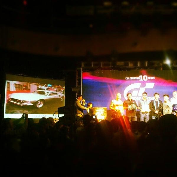 Foto diambil di Rain Nightclub oleh Jeff L. pada 11/2/2012