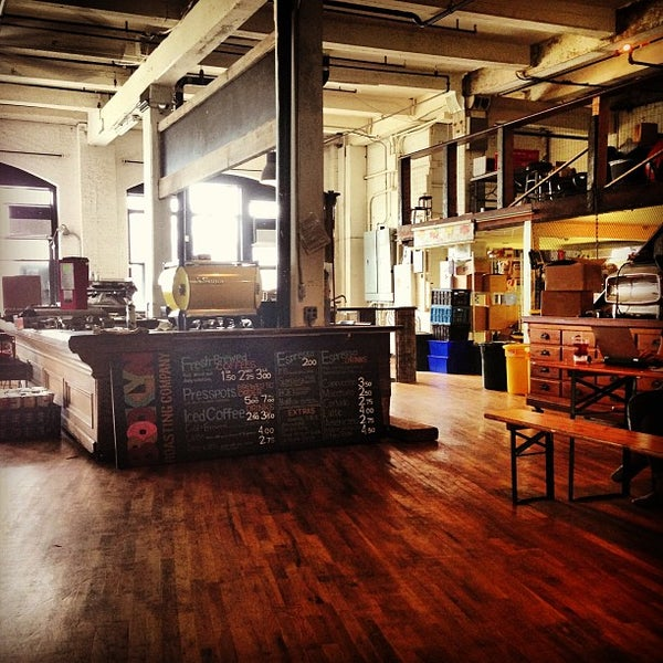 Das Foto wurde bei Brooklyn Roasting Company von ceci v. am 8/31/2013 aufgenommen