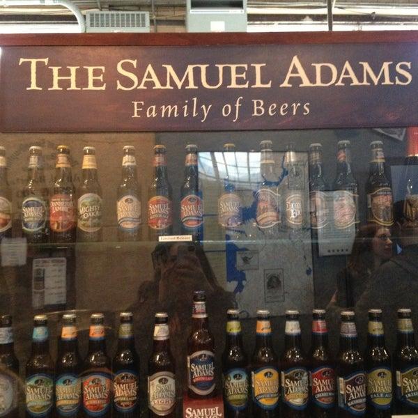 Photo prise au Samuel Adams Brewery par Tayler G. le3/1/2013
