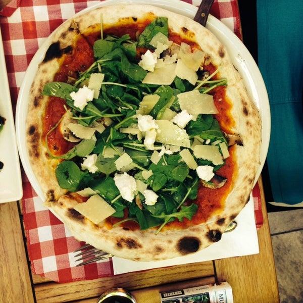 Das Foto wurde bei Il Vicino Pizzeria von Canan C. am 11/9/2013 aufgenommen