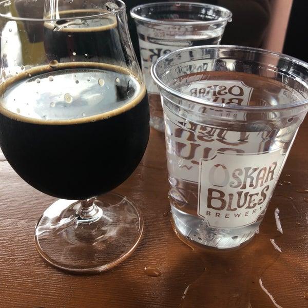 7/4/2020 tarihinde Carlos R M.ziyaretçi tarafından Oskar Blues Brewery'de çekilen fotoğraf