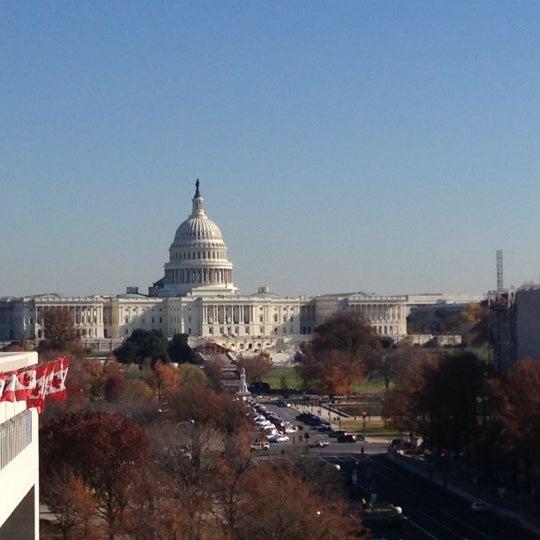 Foto scattata a Newseum da Luis F. il 11/21/2012