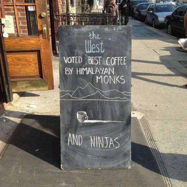 รูปภาพถ่ายที่ The West—Coffeehouse & Bar โดย Jackie B. เมื่อ 4/10/2013