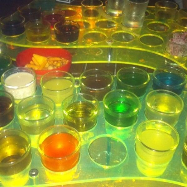 รูปภาพถ่ายที่ Up Shot Bar โดย M.TaŞKIN™🔊🏃💰¿! เมื่อ 8/28/2013