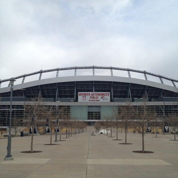 Foto diambil di Broncos Stadium at Mile High oleh Gary M. pada 2/10/2013