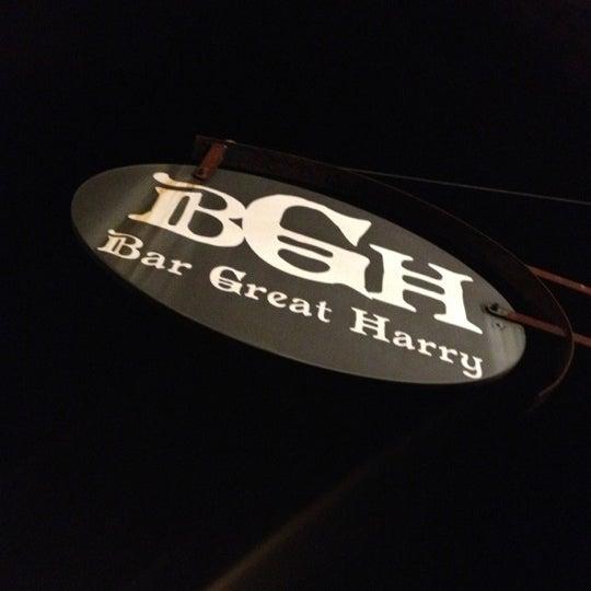 Photo prise au Bar Great Harry par Christopher P. le10/15/2012