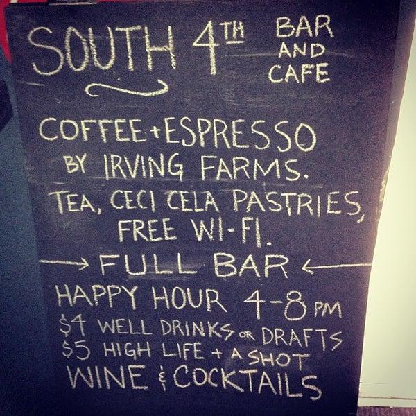 รูปภาพถ่ายที่ South 4th Bar & Cafe โดย Lana W. เมื่อ 10/4/2013