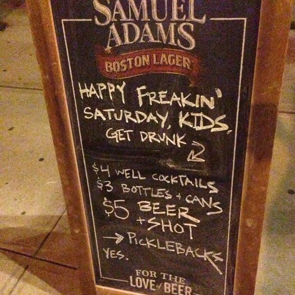 รูปภาพถ่ายที่ South 4th Bar & Cafe โดย Lana W. เมื่อ 8/18/2013