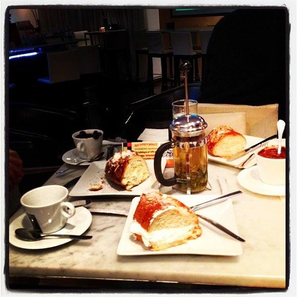 1/6/2013にIrukinaがScandalous Loungeで撮った写真