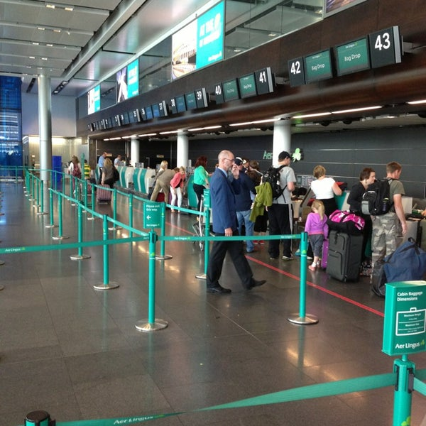 Foto tirada no(a) Aeroporto de Dublin (DUB) por Mark A. em 7/22/2013