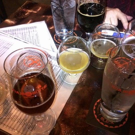 Das Foto wurde bei Black Bottle Brewery von Bill F. am 12/24/2012 aufgenommen