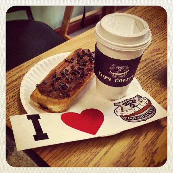 3/2/2013にPete B.がCops & Doughnuts Bakeryで撮った写真