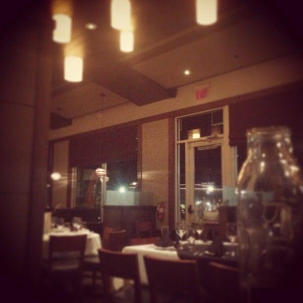 12/10/2012에 Jamal J.님이 Newport Grill에서 찍은 사진