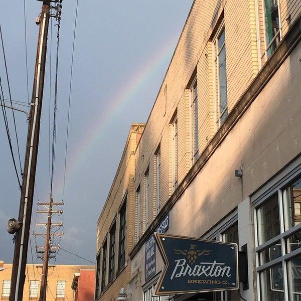 Photo prise au Braxton Brewing Company par Amanda L. le6/27/2015