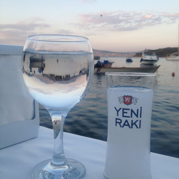 Foto tirada no(a) Yasemin Restaurant por İpek em 5/25/2013