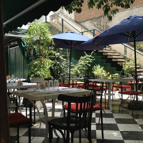 Foto scattata a Museo Evita Restaurant & Bar da Colin L. il 1/6/2013