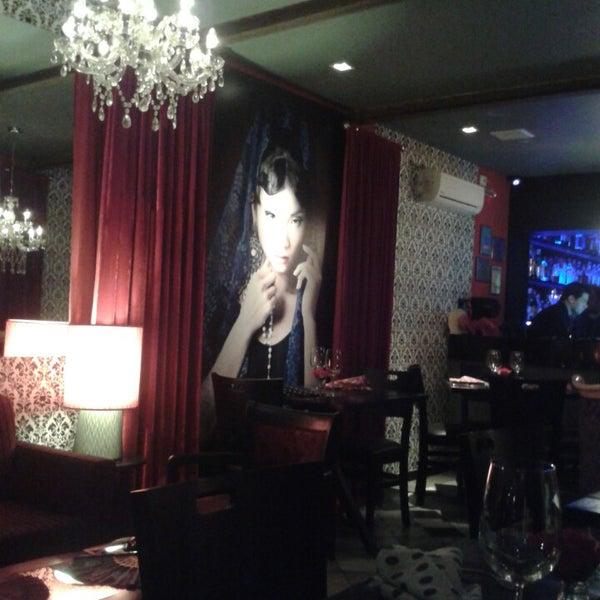 รูปภาพถ่ายที่ Restaurante Almodovar โดย Elisabete A. เมื่อ 8/5/2013