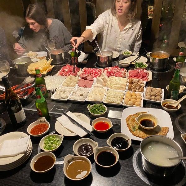 Foto diambil di 99 Favor Taste 99號餐廳 oleh Corey S. pada 2/1/2020
