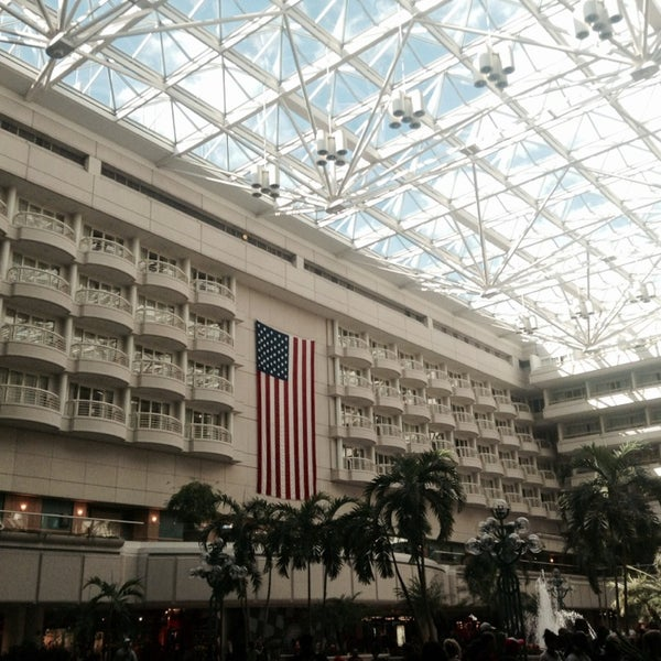 Foto tirada no(a) Aeroporto Internacional de Orlando (MCO) por Victor A. em 11/3/2013
