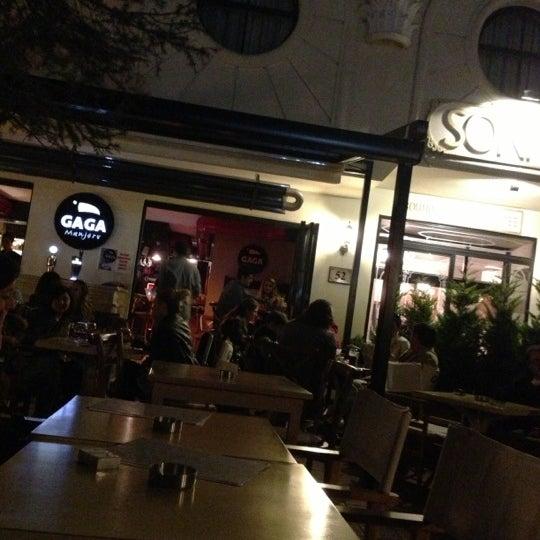 Foto tirada no(a) Gaga Manjero por Hikmet P. em 10/26/2012