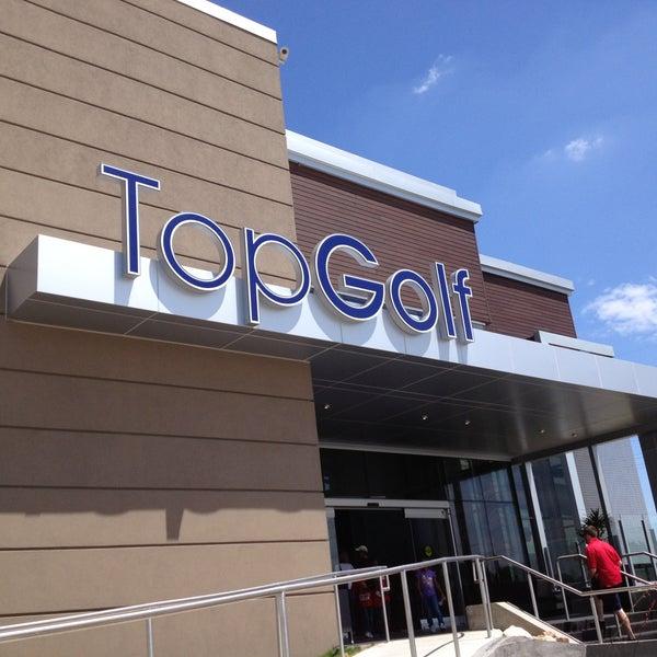 5/12/2013 tarihinde Eric G.ziyaretçi tarafından Topgolf'de çekilen fotoğraf