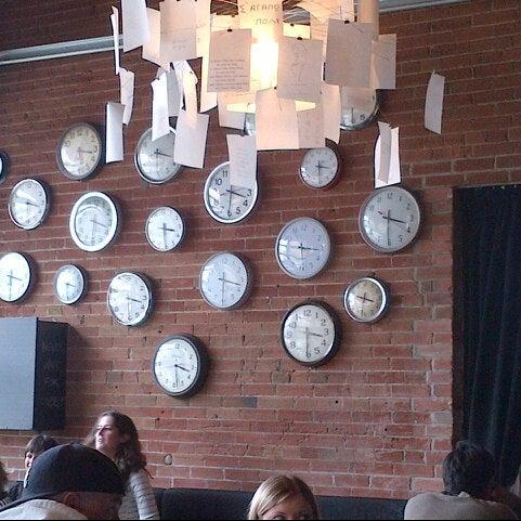 10/13/2012 tarihinde Aleksandr M.ziyaretçi tarafından SCHOOL Restaurant'de çekilen fotoğraf