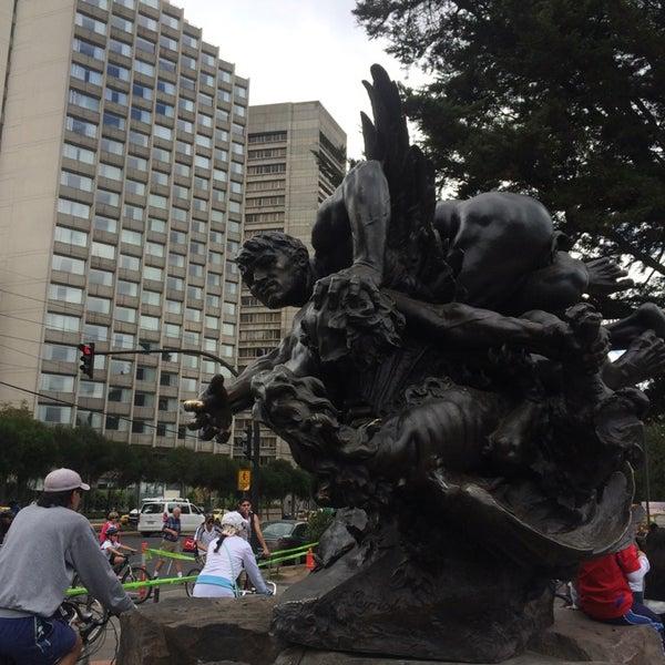 Foto diambil di Parque El Ejido oleh Julio P. pada 9/14/2014
