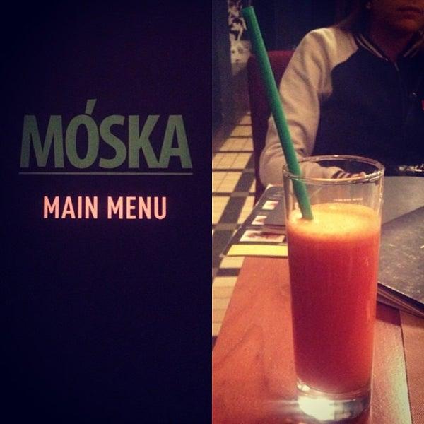 รูปภาพถ่ายที่ Moska Bar โดย Daria S. เมื่อ 1/10/2013