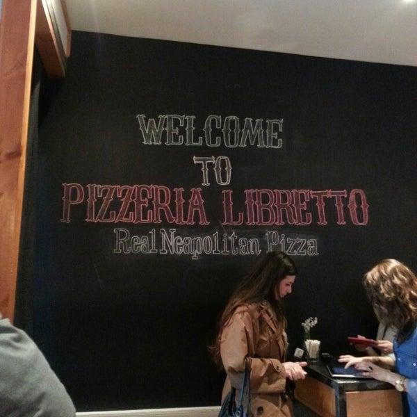 Photo prise au Pizzeria Libretto par Janet L. le4/20/2013