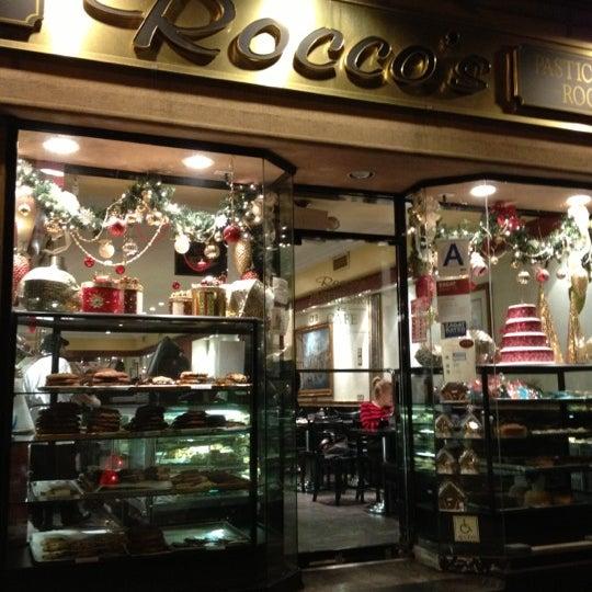 Foto tomada en Pasticceria Rocco por Jamil T. el 12/4/2012