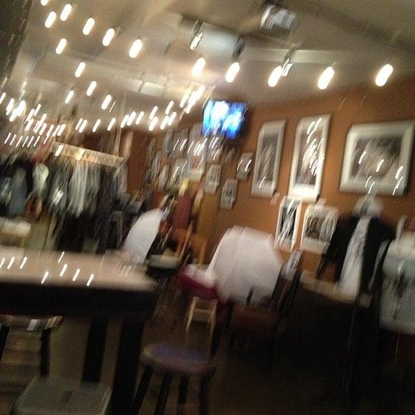 10/4/2012にGabriela M.がGrit N Gloryで撮った写真
