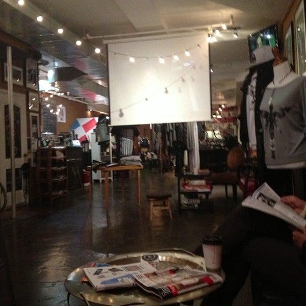 10/8/2012にGabriela M.がGrit N Gloryで撮った写真