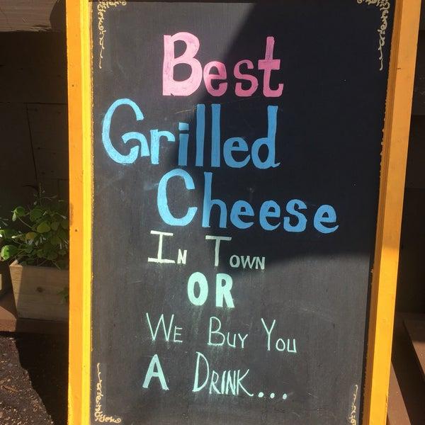 Photo prise au Cheese Grille par Stephanie P. le4/12/2016