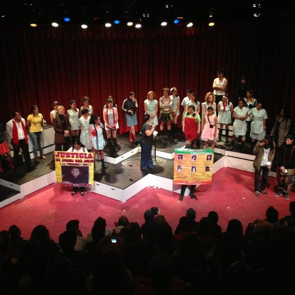 รูปภาพถ่ายที่ Foro Shakespeare โดย Lilia N. เมื่อ 3/5/2013