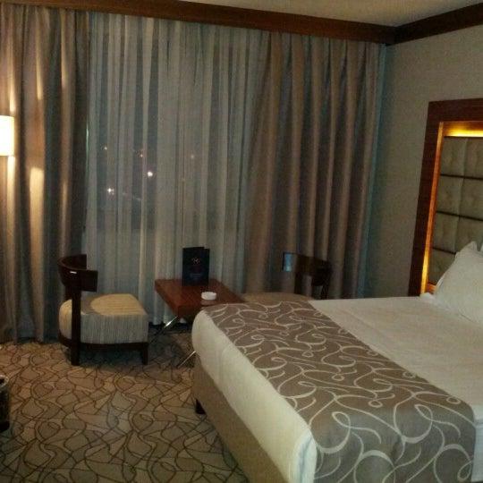 Das Foto wurde bei Grand Hotel Gaziantep von Selçuk İ. am 12/23/2012 aufgenommen