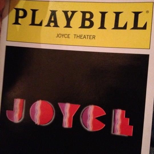 Photo prise au The Joyce Theater par Fah S. le11/18/2012