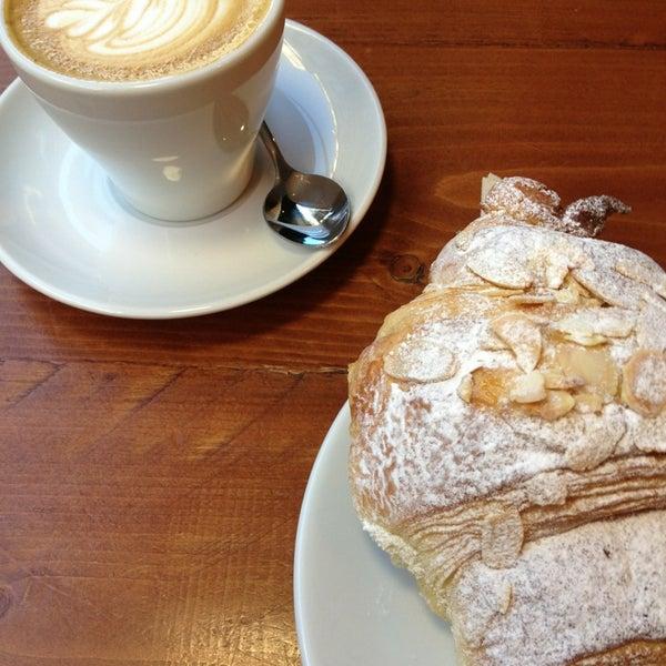 Foto diambil di Brew Lab Coffee oleh Emma W. pada 2/27/2013
